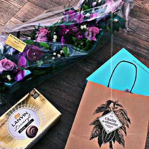 Un grand merci à nos auteurs pour leur gentillesse et tous ces moments de partage 🙏🏼. Nous avons hâte de vous dévoiler nos nouveautés et projets pour l'année 😌. . . . . #bookstagram #books #chocolate #writter #bookphotography #esoterisme #editionsbussiere #lovebooks #bookworm #magie #lecture #reader
